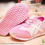 รองเท้าผ้าใบเด็กผูกเชือกสีชมพูสไตล์สลิปออน