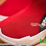 รองเท้าผ้าใบหุ้มข้อเด็กแบบสวมสีแดง