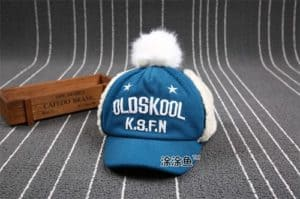 หมวกกันหนาวเด็กนำเข้า ปัก OLDSKOOL ด้านข้างสามารถดึงปิดหูและด้านหลังปรับขนาดได้ 3