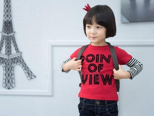 [ส่งฟรี] เสื้อยืดเด็กแขนยาวต่อลายขวางสีแดง สกรีน POINT OF VIEW 4