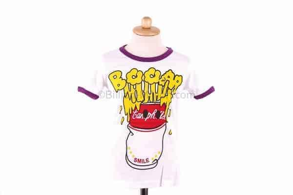 เสื้อยืดเด็กแขนสั้นสีขาวขลิบม่วง สกรีน BOOM It's so good taste 2