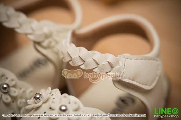 รองเท้าเด็กผู้หญิงรัดส้นสีขาว