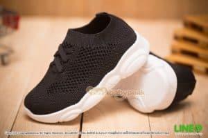 รองเท้าผ้าใบเด็กสีดำพื้นหมี